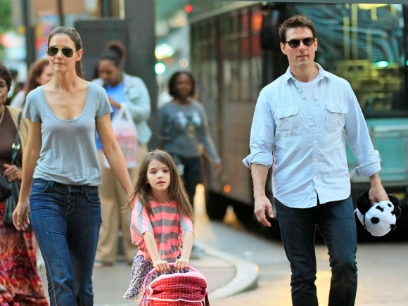 Tom Cruise & Katie Holmes Divorce Is Finalized ... Katie Holmes Divorce